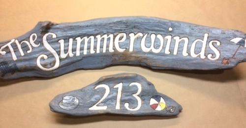 creative driftwood signs